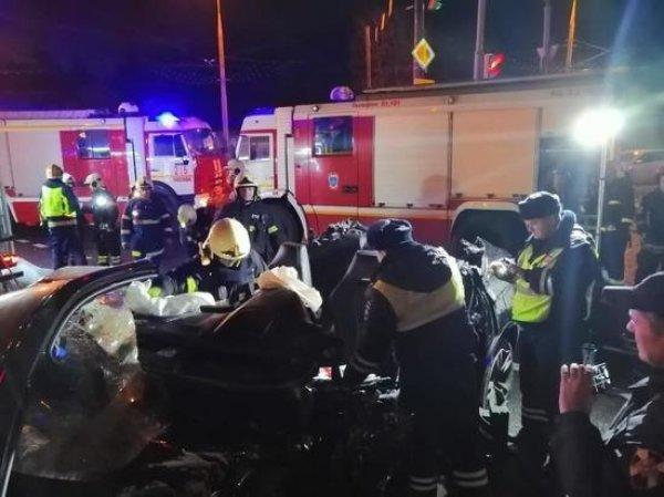 Следователь по делу ЮКОС насмерть разбился в ДТП в Москве на своем BMW X6