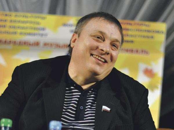 """Похудевший на 26 кг продюсер """"Ласкового мая"""" сравнил себя на фото с молодым Путиным"""