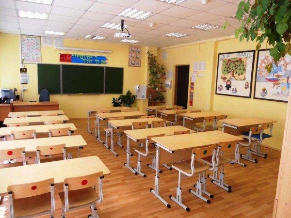В Кировской области мужчина с ножом напал на школу: есть пострадавшие