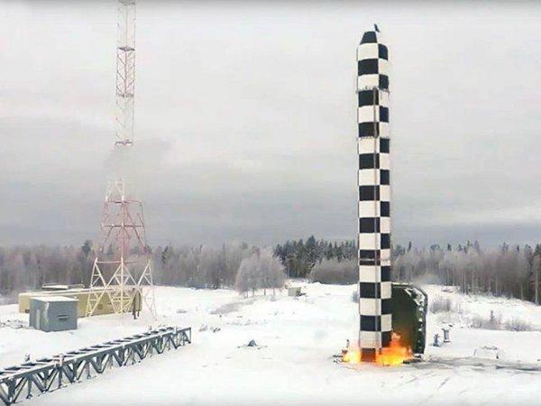 """Испытание российского """"Авангарда"""" напугало США: названа скорость ракеты"""