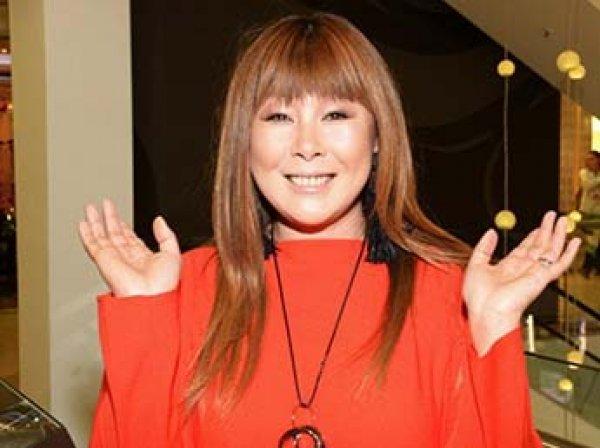 Певица Анита Цой 18 лет растила на спине личинку мухи