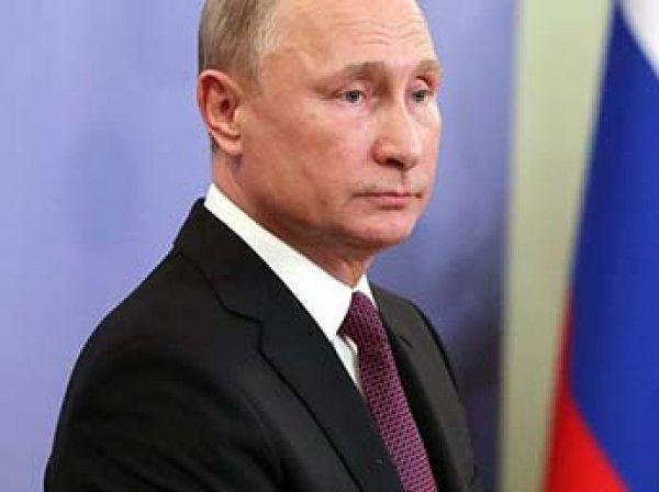 Песков объяснил, почему у Путина нет смартфона