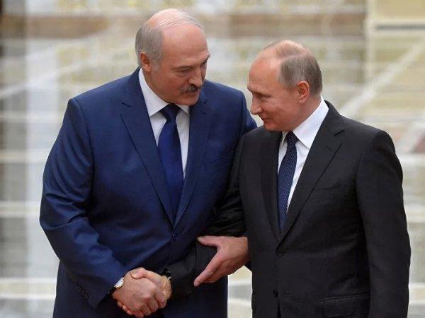 """""""Ты хочешь, чтобы я купил автомат тебя защищать?"""": Лукашенко раскрыл детали беседы с Путиным"""