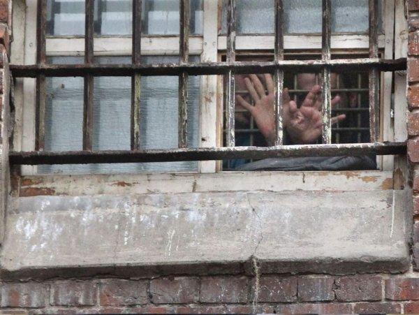 СМИ: двух чеченских геев убили в тюрьме выстрелами в затылок