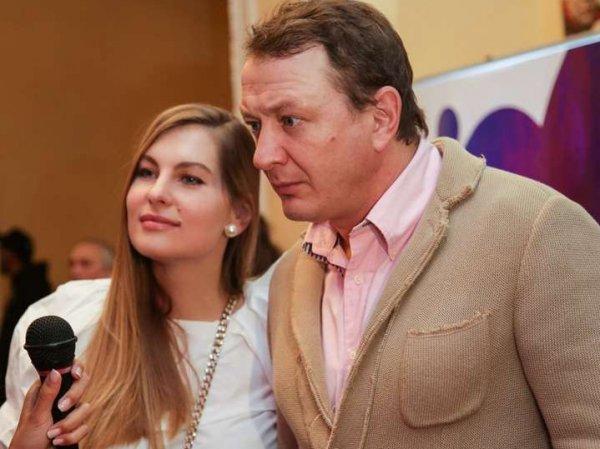 СМИ: Марат Башаров сломал нос своей жене