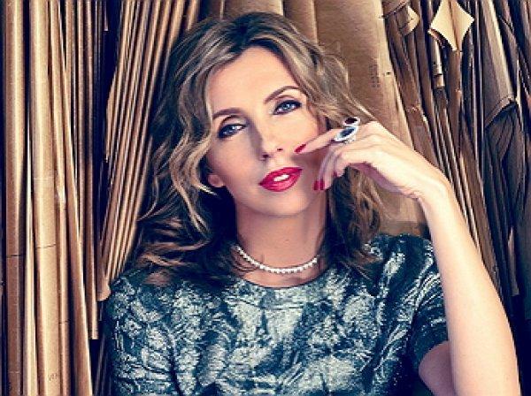 Светлана Бондарчук отпраздновала юбилей в «голом» платье