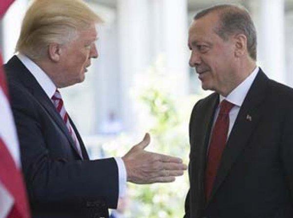 """ИноСМИ: беседа Трампа и Эрдогана по Сирии привела к """"катастрофе"""""""