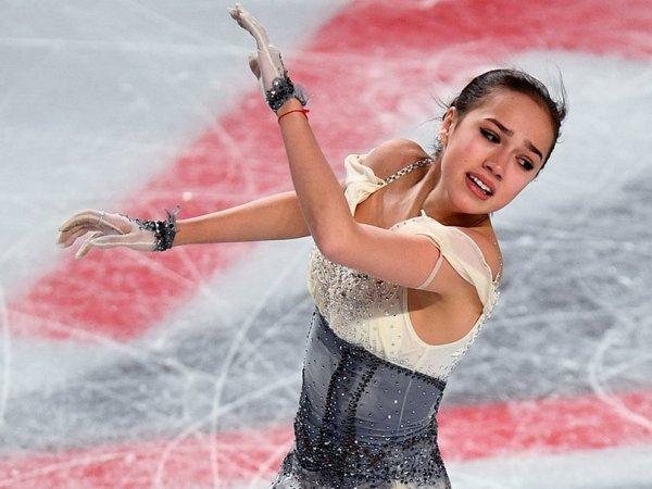Загитова разделила участь Медведевой: дважды упала и осталась без медалей чемпионата России (ВИДЕО)