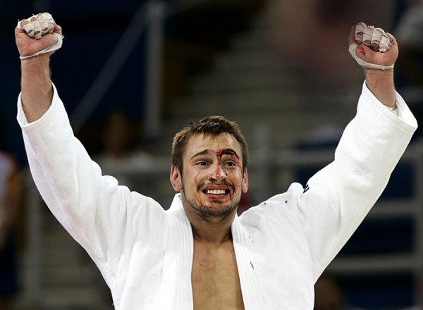 В Таиланде россиянин с тесаком напал на экс-депутата и призера Олимпиады-2004 дзюдоиста Носова