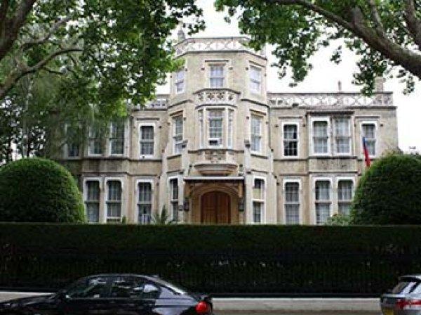 """Хакеры """"жестко взломали"""" сайт посольства России в Лондоне"""