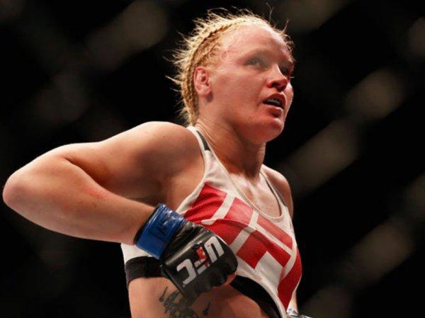 Валентина Шевченко стала первой россиянкой - чемпионкой UFC