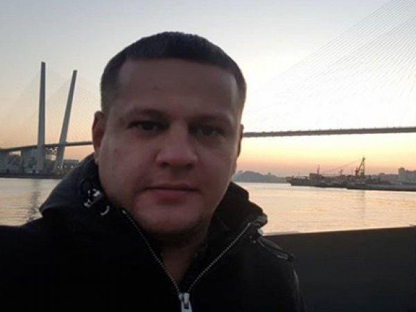 """Потерявший в """"Зимней вишне"""" всю семью кемеровчанин Востриков уехал из России"""
