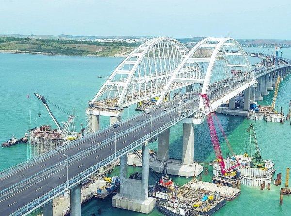 Он расползается: в Сеть утекли секретные документы по Крымскому мосту (ФОТО)