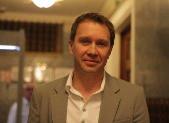 СМИ: суррогатная мать родила Евгению Миронову сына по примеру Пугачевой