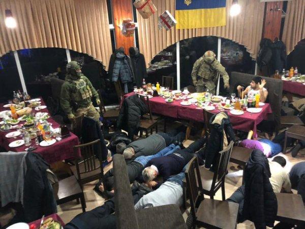 На Украине жестко повязали 45 сторонников вора в законе Гули (ФОТО)