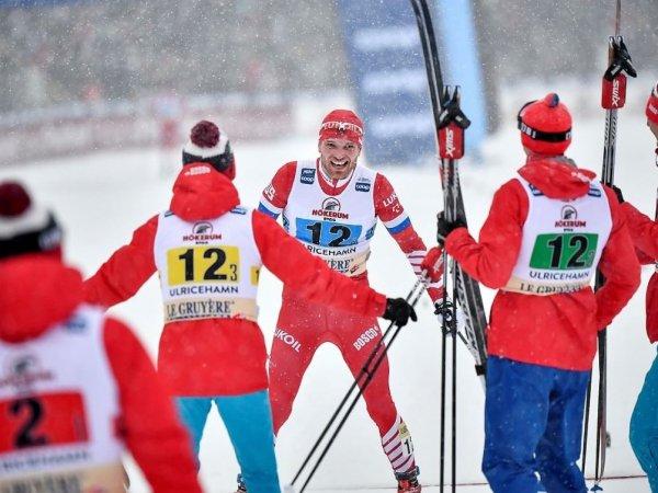 Российские лыжники триумфально победили в мужской эстафете на КМ