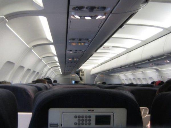 Пассажир рейса Петербург – Анталия напал на стюардессу, самолет экстренно сел в Сочи