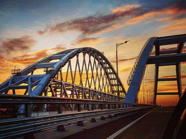 """""""Укрорейх в самом расцвете"""": на Украине начали сажать за позитивные отзывы про Крымский мост"""