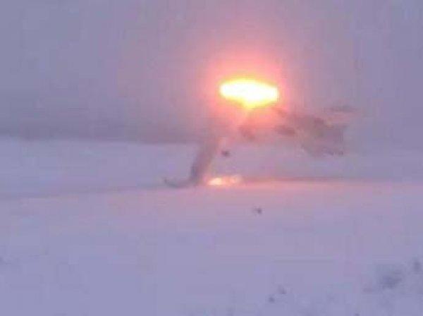 Пламя, дым, лайнер разносит в щепки: появилось видео крушения Ту-22М3 под Мурманском