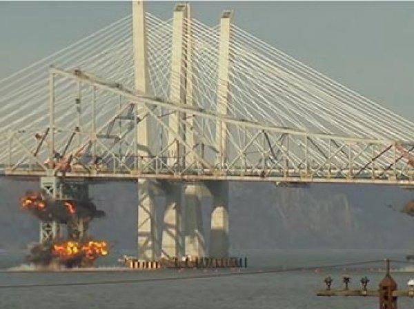 В Нью-Йорке взорвали мост через Гудзон: момент взрыва попал на видео