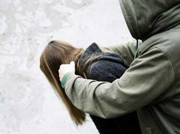 В Пугачеве парень и три девушки-подростка сутки насиловали и издевались над 17-летней девушкой