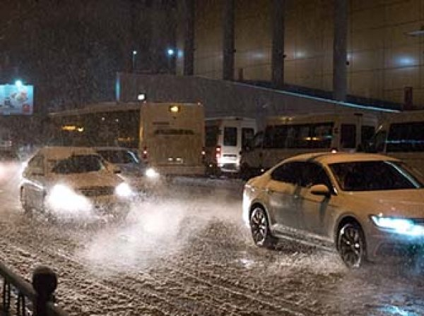 Сугробы по полметра: Москву накроет 48-часовой снегопад