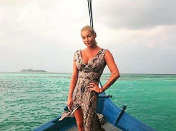 """""""Моральные уроды и калеки"""": Волочкова унизила подписчиков и передумала переезжать на Мальдивы"""