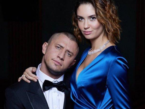 """СМИ: звезда """"Мажора"""" Прилучный зверски избил жену в новом подмосковном особняке"""