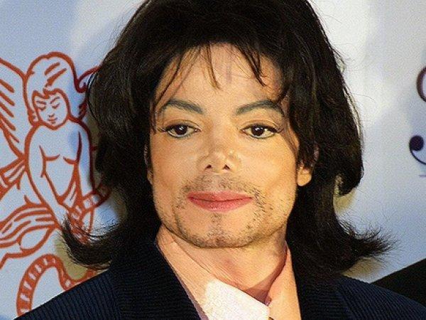 """""""Не умел надевать презерватив"""": врач Майкла Джексона раскрыл шокирующие тайны артиста"""
