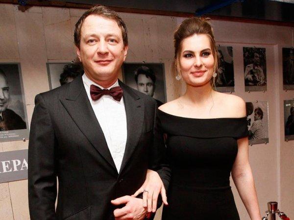 """""""Не мешайте наслаждаться жизнью"""": домашний тиран Башаров сделал новое заявление о разводе с женой"""