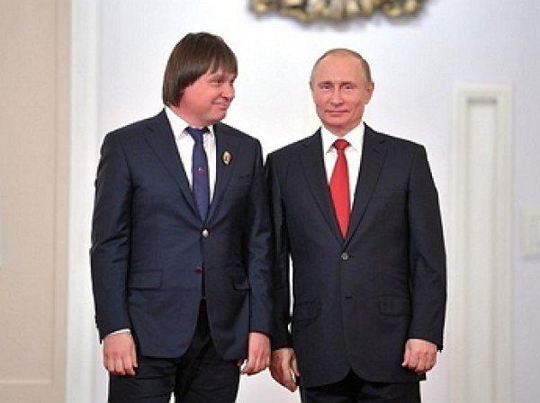 Задержанный по подозрению в хищении 1,3 млрд рублей финалист конкурса «Лидеры России» встречался с Путиным