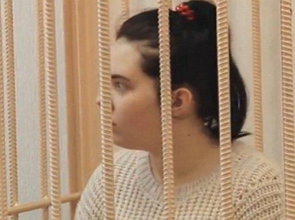 Мать запертой дома на неделю 3-летней девочки делала селфи, пока ребенок умирал (ФОТО, ВИДЕО)
