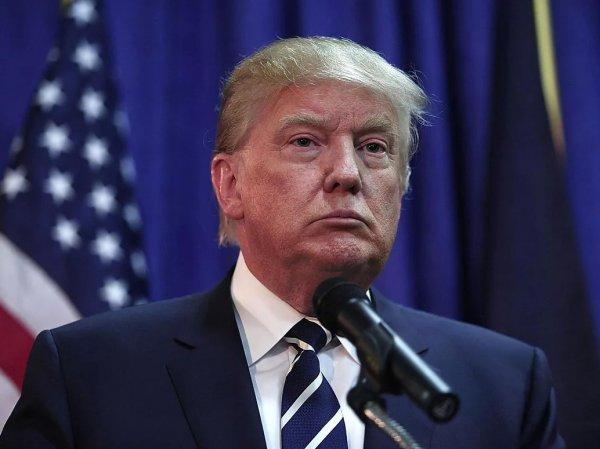 """""""Лысый и бледный"""": фото """"настоящего"""" Трампа шокировало Сеть"""