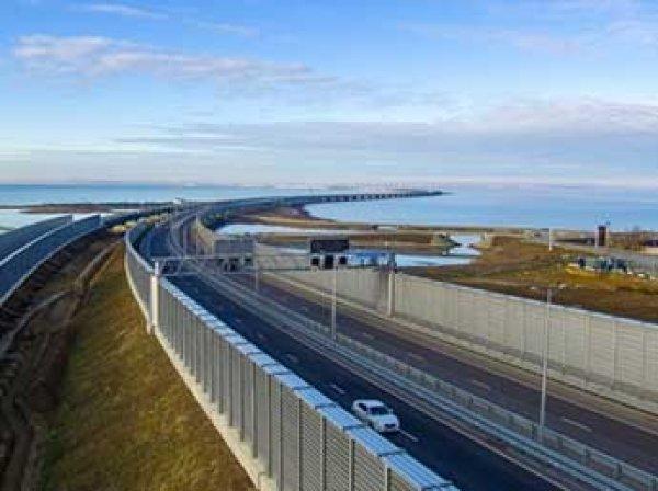 Крымскому мосту предсказали печальную участь: мощный оползень смоет его в море