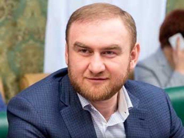 СМИ: сенатор Арашуков заказал два убийства за 1,5 млн рублей