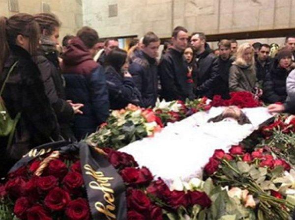 Толмацкий-старший на похоронах Децла выгнал провокатора из зала