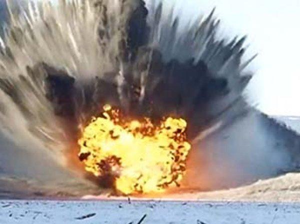 Военные сверхмощным взрывом пробили протоку в обвале на реке Бурея (ВИДЕО)
