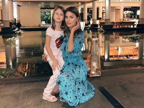 7-летняя дочь опозорила Боню на видео, уличив мать во лжи про их шикарную жизнь