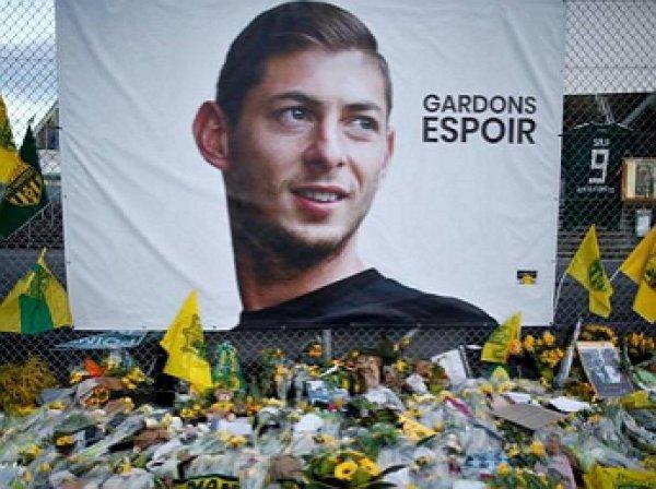 Названа причина смерти футболиста Салы