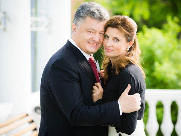 Порошенко поздравил жену с днем рождения и навлек гнев Сети