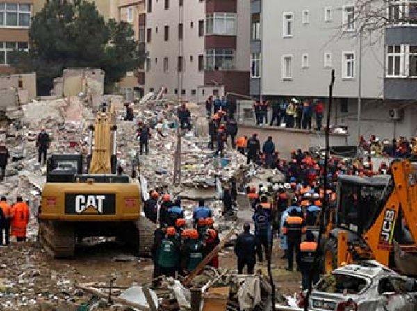 В столице Турции рухнул многоэтажный дом: есть жертвы, в Сети появилось видео с места инцидента