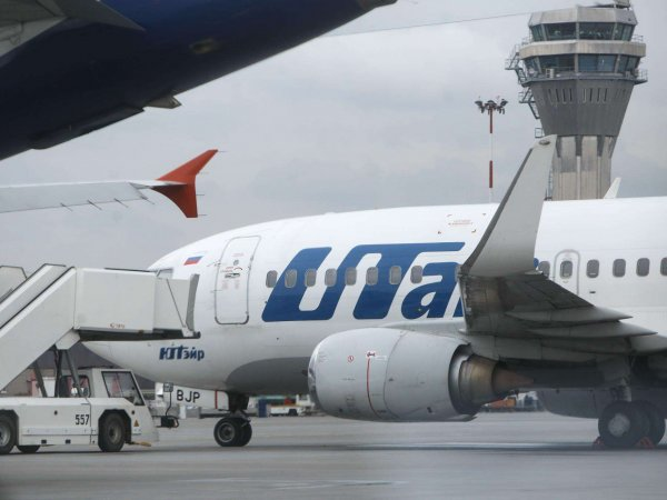 В Utair мать с двумя больными детьми обязали купить 12 билетов на самолет