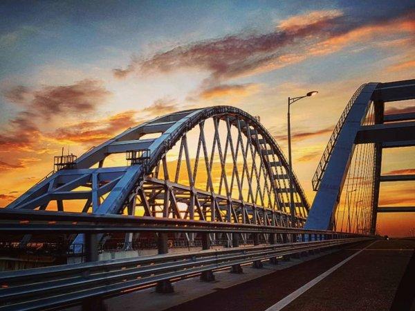 На опустевшем Крымском мосту произошло страшное ДТП (ФОТО)