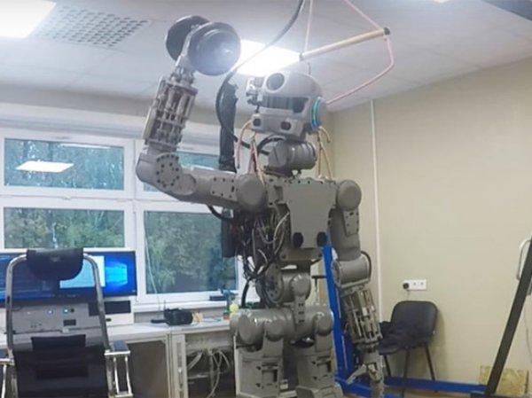 Навыки стрельбы робота Федора оставили его без зарубежных деталей