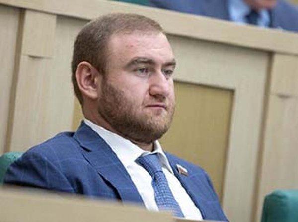 В Сети появилось фото из роскошной квартиры Арашукова в Питере: он спешно продает ее за 99 млн