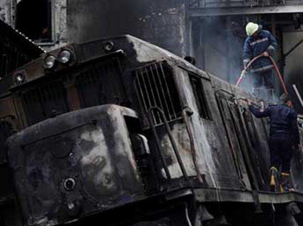Момент взрыва поезда на вокзале в Каире попал на видео
