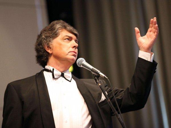 Умер певец Сергей Захаров
