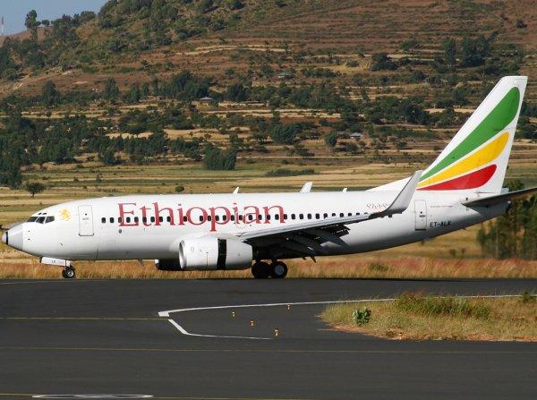 Первое фото с места крушения Boeing-737 в Эфиопии появилось в Сети