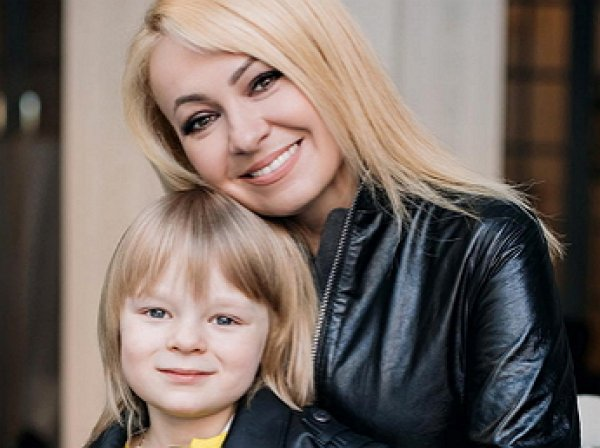 Рудковская отошлет из России сына-гея, простив ему нетрадиционную ориентацию