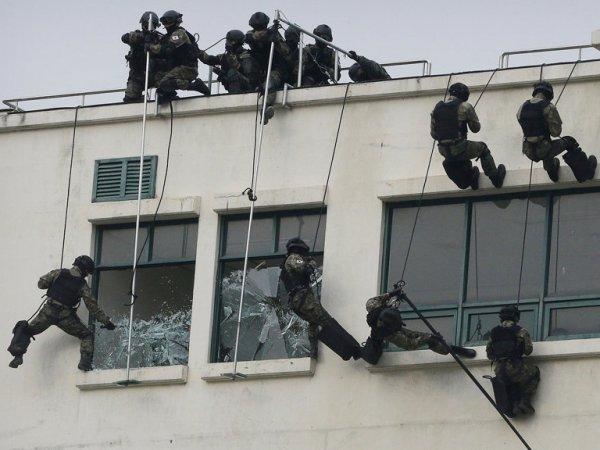 В Новосибирской области спецназ ФСБ штурмом взял отдел МВД